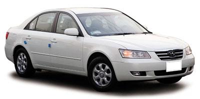 車の利用,排気量2000ccの白いセダン